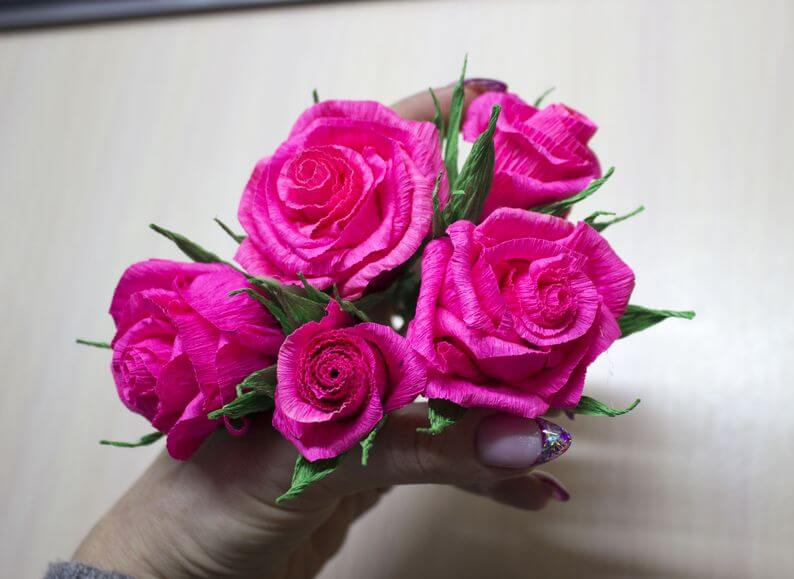 как сделать цветы +из гофрированной бумаги