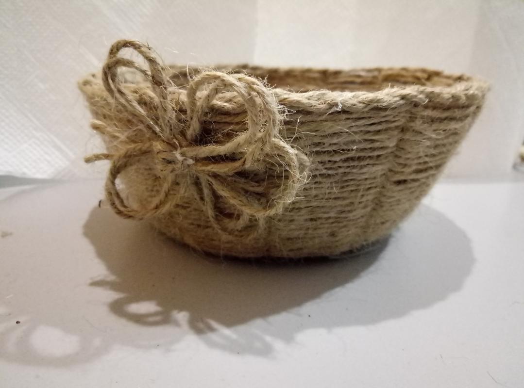 корзина +для фруктов плетеная