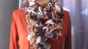 связать шарф спицами +для женщины